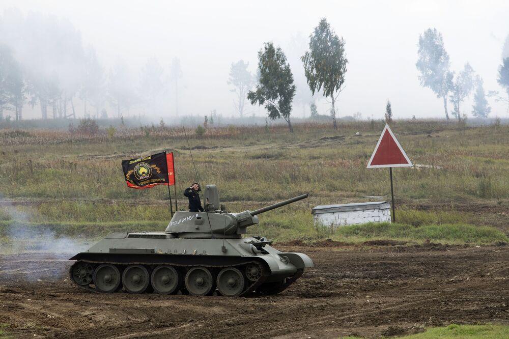 Vyobrazení bojových schopností zbraní a vojenského vybavení