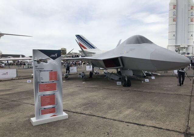 Projekt turecké stáhačky TF-X