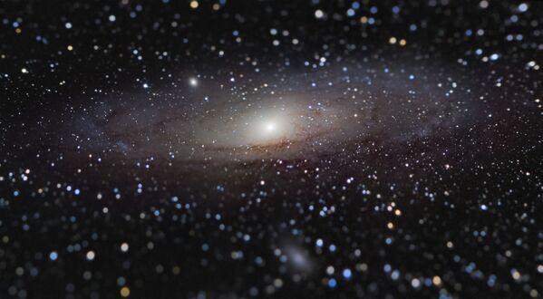 Snímek Andromeda Galaxy at Arm's Length francouzského fotografa Nicolasa Lefaudeux, který získal první místo v soutěži Insight Investment Astronomy Photographer of the Year 2020 - Sputnik Česká republika