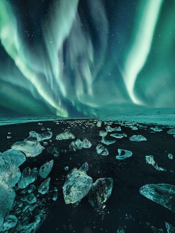 Snímek Iceland ruské fotografky Kristiny Makeeve, vysoce ceněný v kategorii AURORAE soutěže Insight Investment Astronomy Photographer of the Year 2020 - Sputnik Česká republika