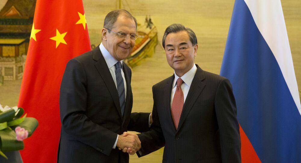 Ministři zahraničí Ruska a Číny Sergej Lavrov a Wang I