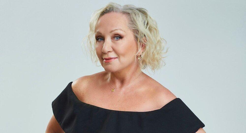 Česká zpěvačka Bára Basiková
