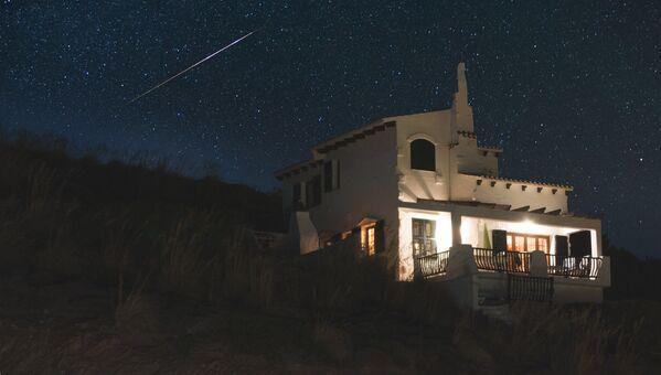 Hvězdná obloha nad ostrovem Menorca ve Středozemním moři - Sputnik Česká republika