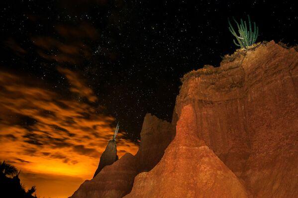 Noční obloha nad pouští Tatacoa v Kolumbii - Sputnik Česká republika