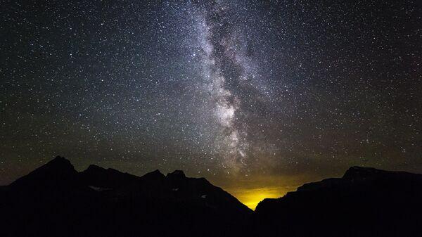 Млечный путь над Национальным парком Глейшер в Монтане - Sputnik Česká republika