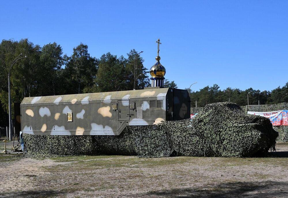 Mobilní pravoslavný chrám běloruských ozbrojených sil