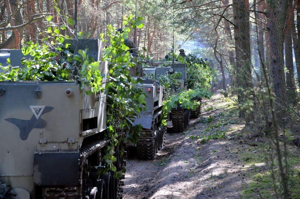 Bojová vozidla BMD-4 Ozbrojených sil Ruské federace během cvičení Slovanské bratrství 2020