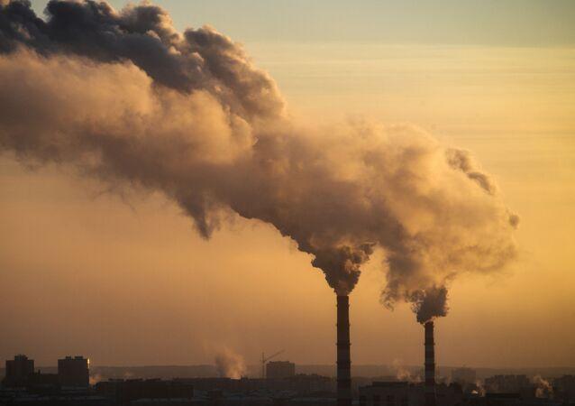 Emise. Ilustrační foto