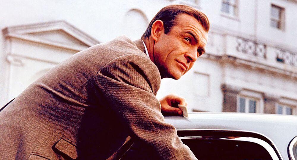 Sean Connery v roli Jamese Bonda ve filmu Goldfinger