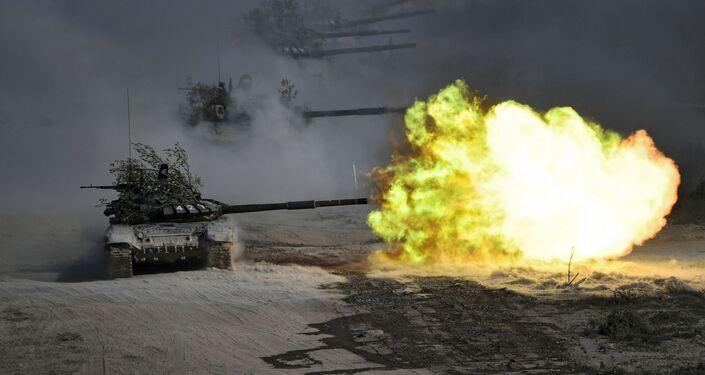Vojenská cvičení v Rusku, nečekaná inaugurace v Minsku a protesty v Evropě. Nejpůsobivější okamžiky tohoto týdne