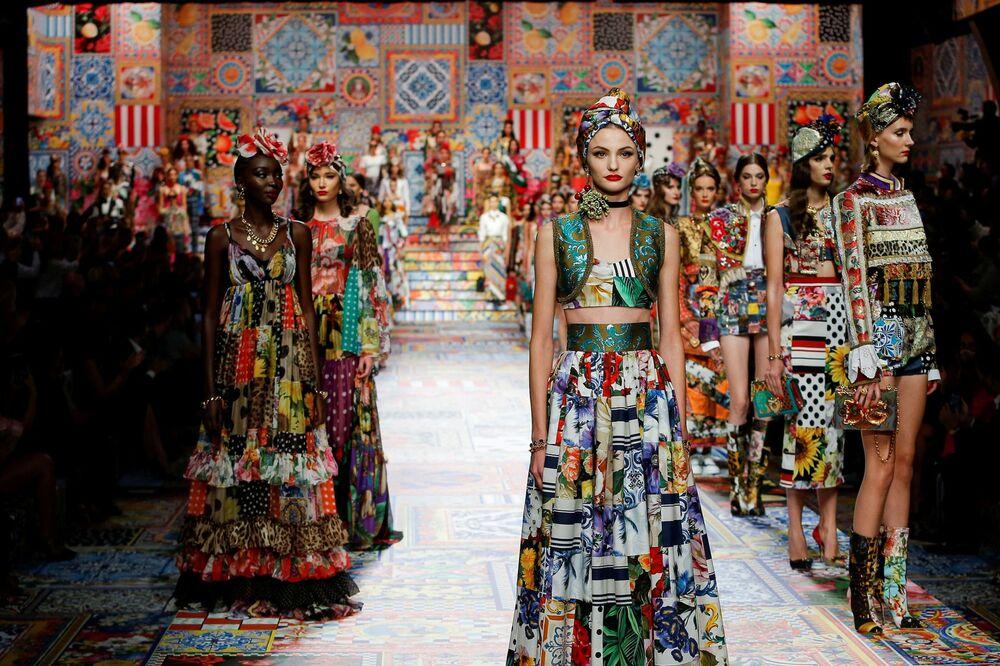 Módní přehlídka Dolce & Gabbana během milánského týdne módy
