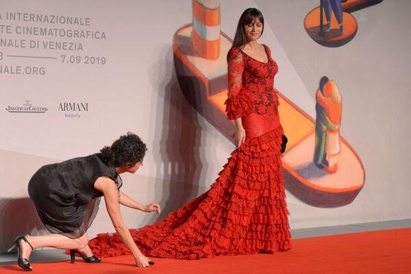 Monica Bellucci na červeném koberci Irreversible (2002) na 76. mezinárodním filmovém festivalu v Benátkách. - Sputnik Česká republika