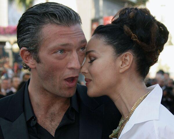Herci Vincent Cassel a Monica Bellucci na filmovém festivalu v Cannes, 25. května 2006. - Sputnik Česká republika