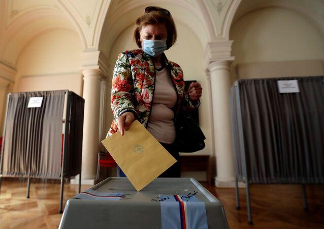 Hlasování v senátních a krajských volbách (2. 10. 2020)
