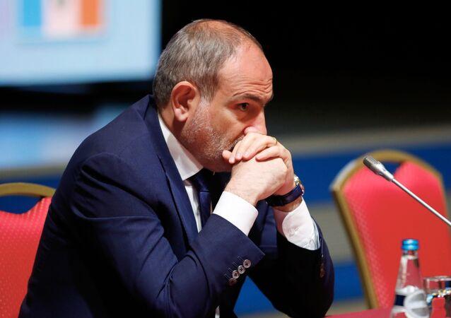 Arménský předseda vlády Nikol Pašiňan
