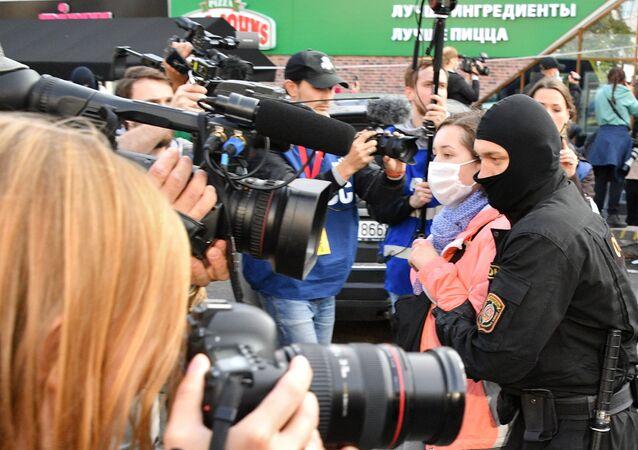 Zatýkání na ženském pochodu v Minsku (ilustrační foto)