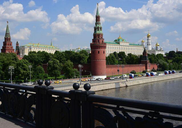 Kremlevská nábřeží v Moskvě