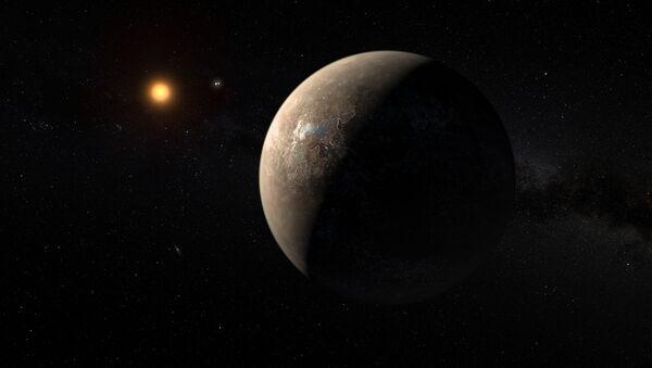 Kresba zobrazující Proxima Centauri obíhající kolem červeného trpaslíka, který se točí kolem dvojhvězdy Alpha Centauri - Sputnik Česká republika