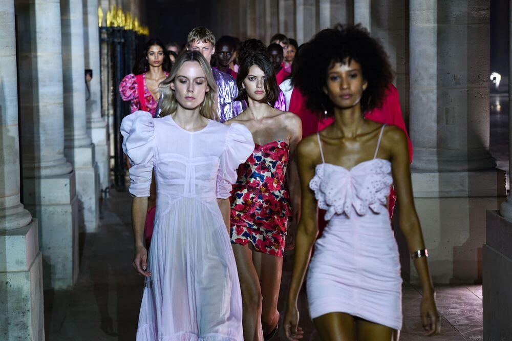 Přehlídka nové kolekce Isabel Marant během pařížského týdne módy.