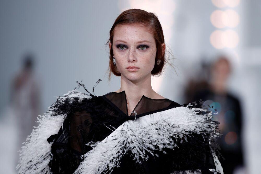 Přehlídka nové kolekce Virginie Viard během pařížského týdne módy.