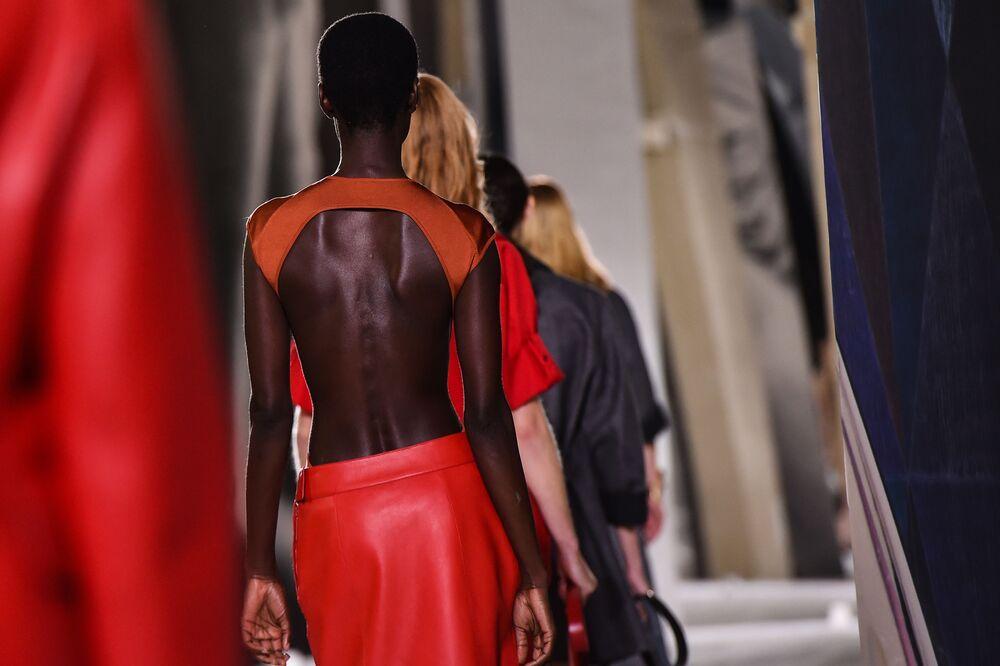 Přehlídka nové kolekce Hermes během pařížského týdne módy.