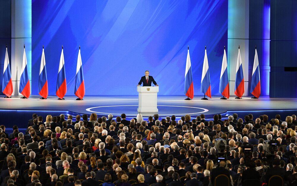 Vladimir Putin vystupuje s projevem k Federálnímu shromáždění Ruské federace.