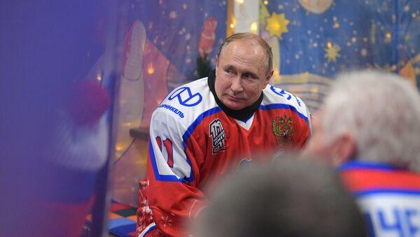 Vladimiru Putinovi je 68 let. Jaký je ruský prezident v práci a mimo ni? - Sputnik Česká republika