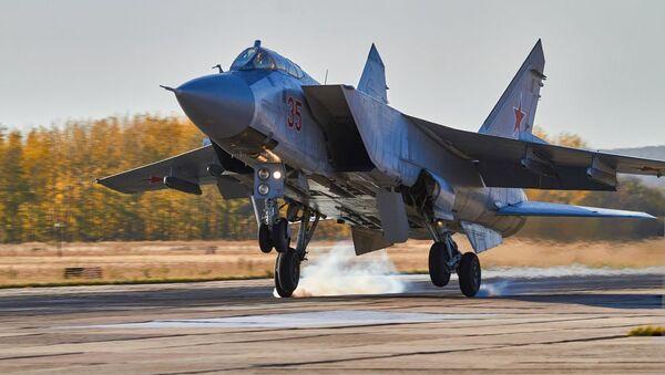 Když je nebe domovem. Ruští vojenští letci se zdokonalovali u Voroněže - Sputnik Česká republika