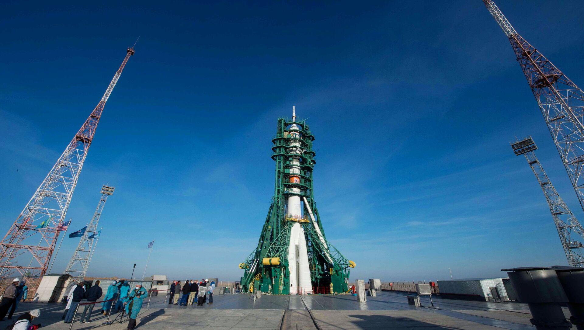 Start nosné rakety Sojuz 2.1a z kosmodromu Bajkonur s pilotovanou lodí Sojuz MS-17 - Sputnik Česká republika, 1920, 08.02.2021