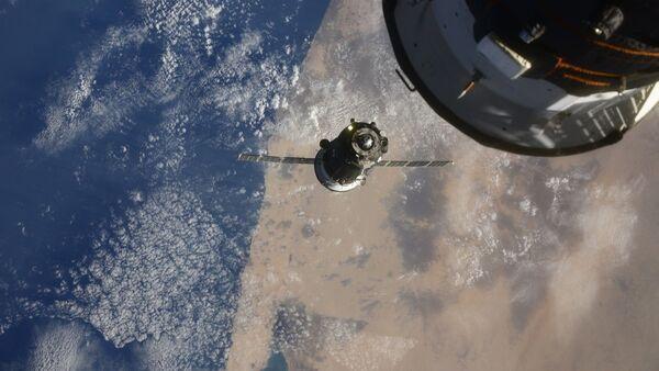 Video: 3 hodiny a 3 minuty letu. Sojuz MS-17 se úspěšně spojil s ISS. Jde o nejrychlejší let posádky ke stanici - Sputnik Česká republika