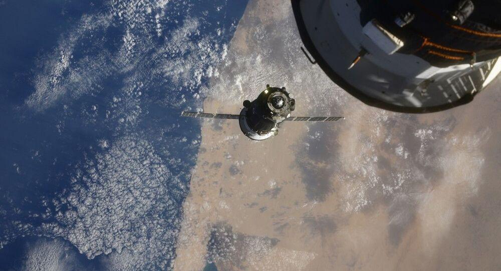 Video: 3 hodiny a 3 minuty letu. Sojuz MS-17 se úspěšně spojil s ISS. Jde o nejrychlejší let posádky ke stanici