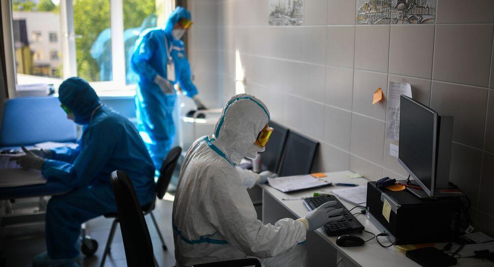 Lékaři v moskevské nemocnici