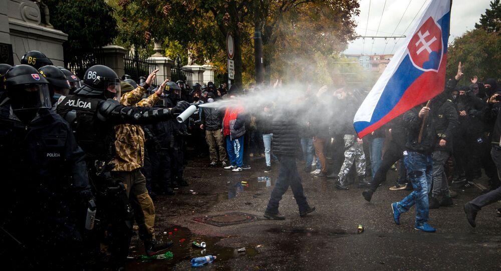 Protesty proti opatřením vlády Igora Matoviče proti koronaviru na Slovensku (17. 10. 2020)
