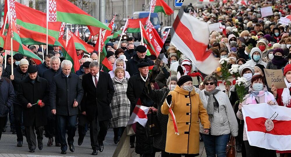 V Minsku se konají akce příznivců i odpůrců Lukašenka