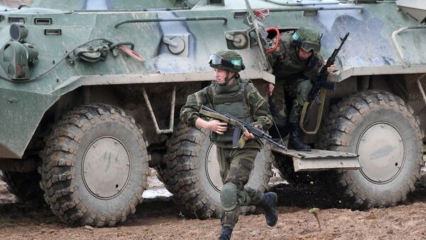 """Vojenské cvičení OSKB """"Něrušimoje bratstvo 2020"""" v Bělorusku - Sputnik Česká republika"""