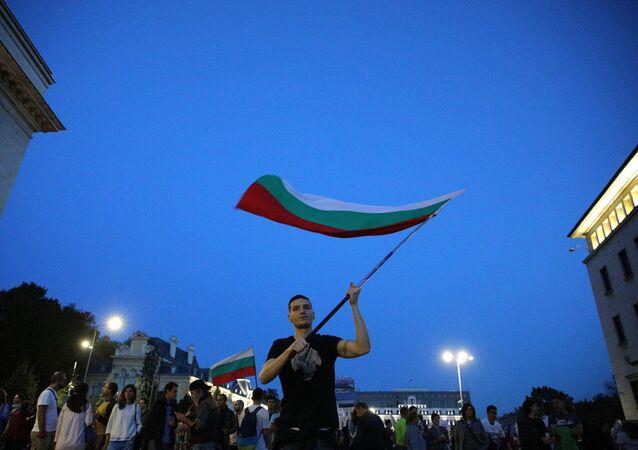 Účastníci protivládních protestů v Sofii