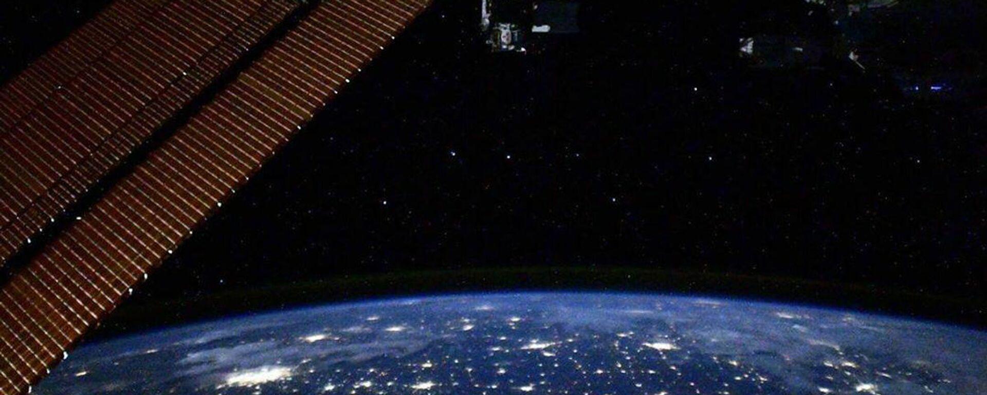 Pohled s ISS - Sputnik Česká republika, 1920, 02.03.2021