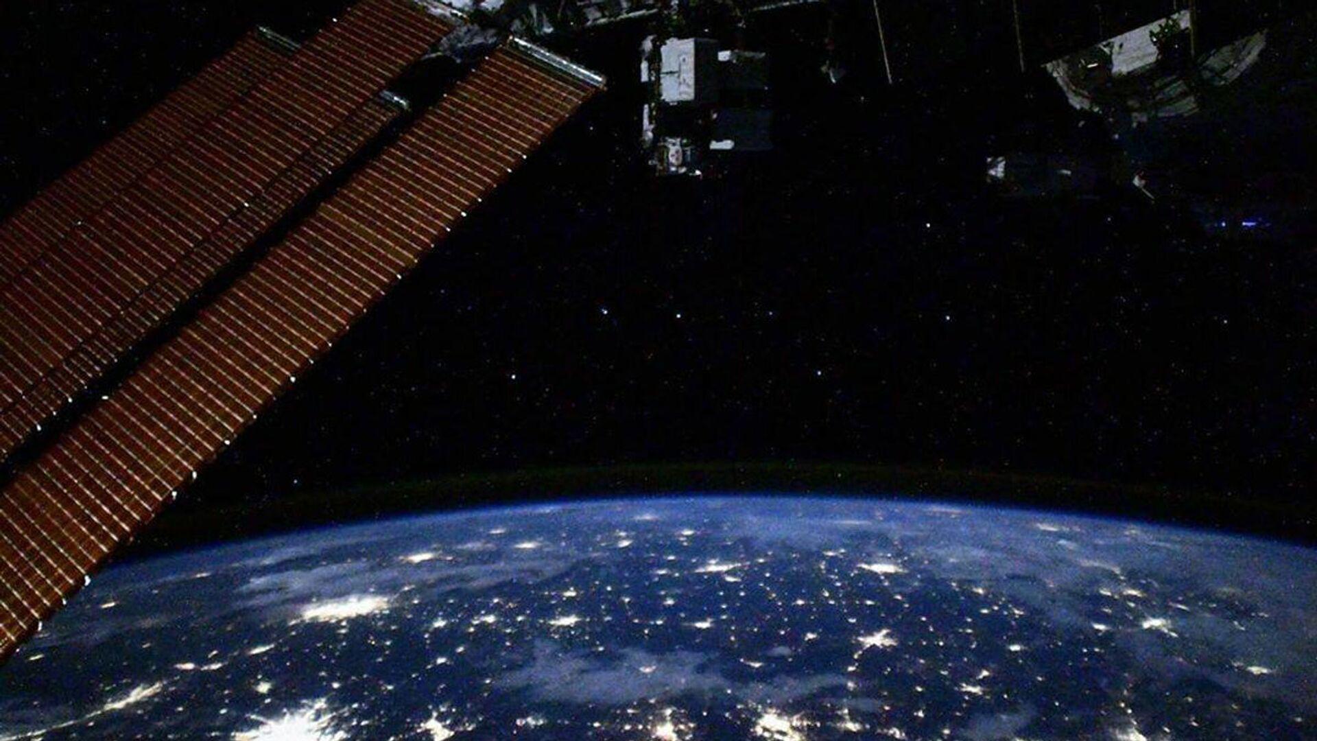 Pohled s ISS - Sputnik Česká republika, 1920, 21.06.2021
