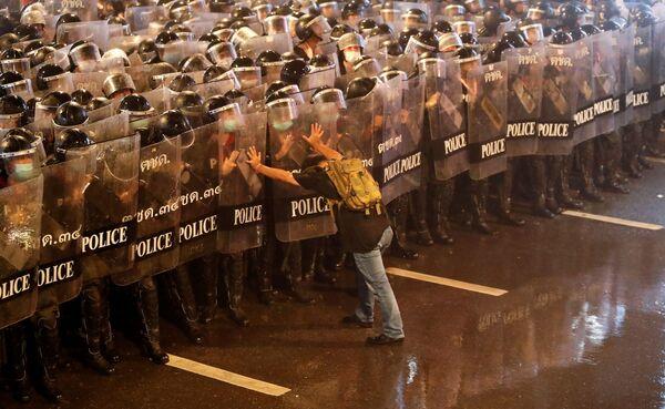 Protesty, triumfy, krása: Ty nejúchvatnější záběry uplynulého týdne z různých koutků světa - Sputnik Česká republika