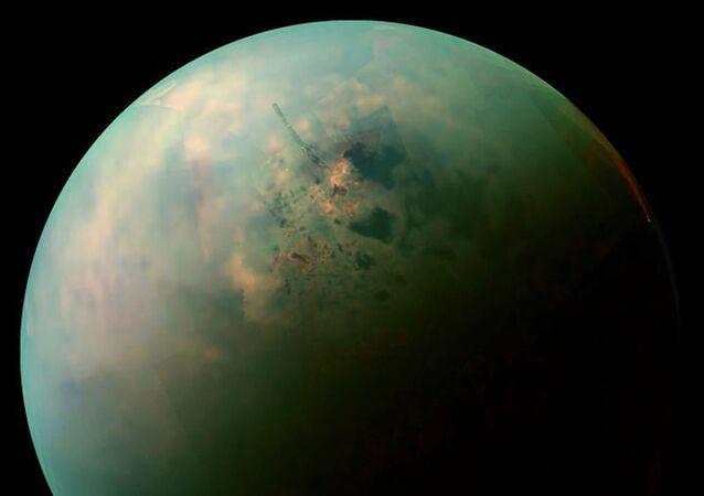 Uhlovodíková jezera Titanu