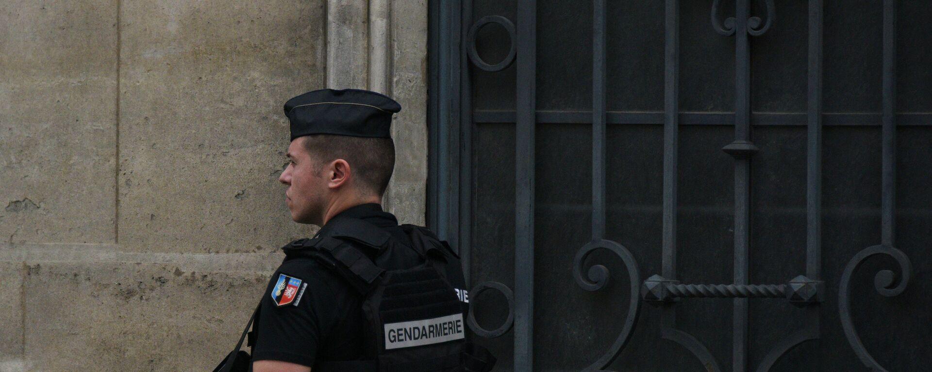 Policista v Paříži - Sputnik Česká republika, 1920, 23.04.2021