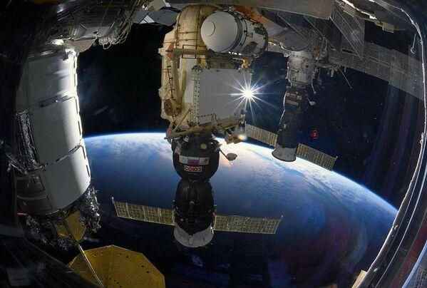 Loď Sojuz MS u ISS - Sputnik Česká republika