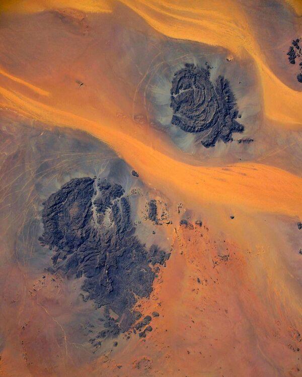 Sahara z paluby ISS. Foto kosmonauta Ivana Wagnera - Sputnik Česká republika