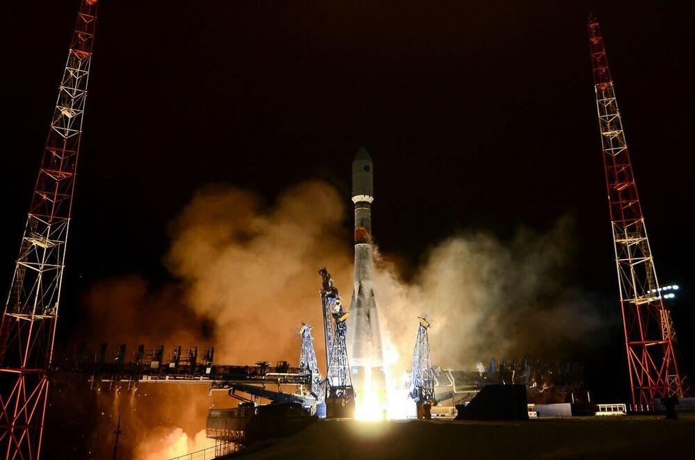 Start nosné rakety Sojuz-2 s aparátem nové generace systému Glonass-K