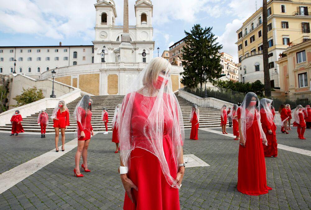 Ženy během shromáždění proti násilí na ženách, Řím