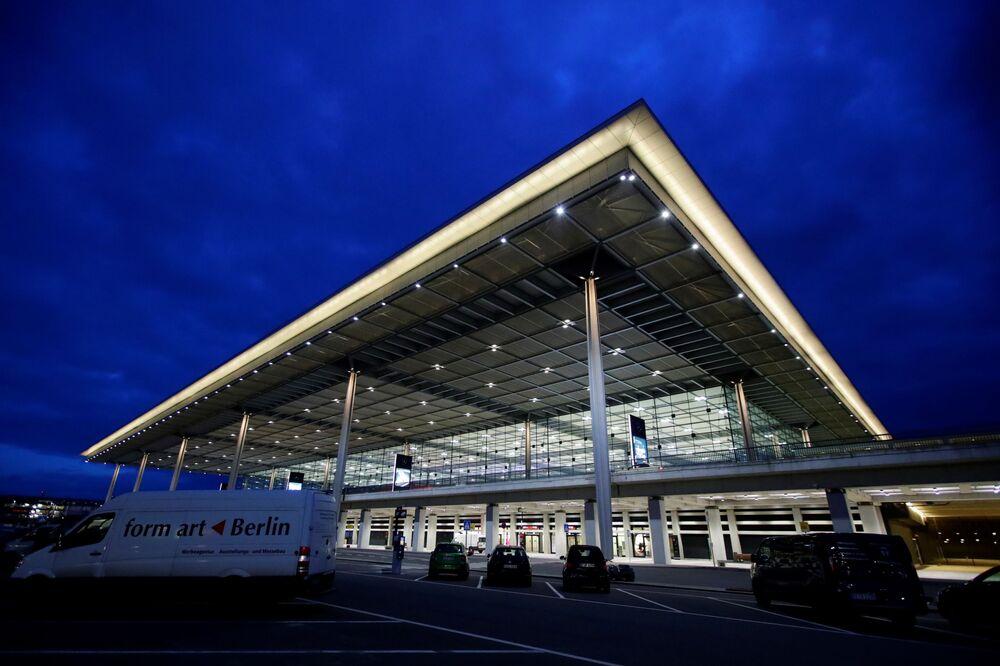 Pohled na nové mezinárodní letiště Willyho Brandta v Německu