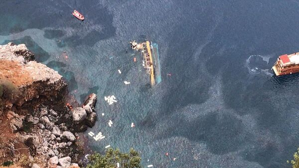 V turecké Alanyi se převrátila výletní loď s turisty - Sputnik Česká republika