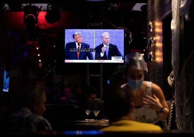 Druhá debata o prezidentské kampani v roce 2020 mezi demokratickým prezidentským kandidátem Joe Bidenem a americkým prezidentem Donaldem Trumpem