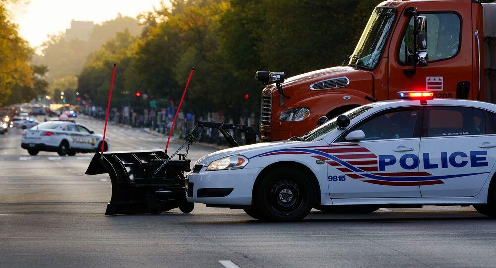 Constitution Avenue blokována policií, Washington, USA