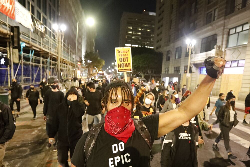 Protestní akce po volbách amerického prezidenta v Los Angeles.